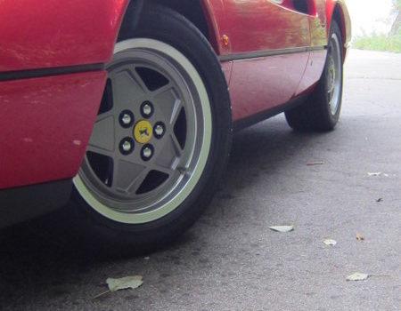 フェラーリ328の純正ホイールをレストア!