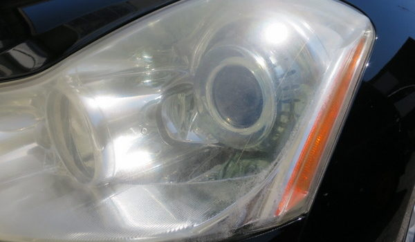 フーガ350GT ヘッドライト磨き (神奈川県寒川町 M様)